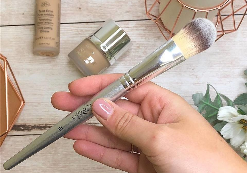 Free Professional Make Up Brush